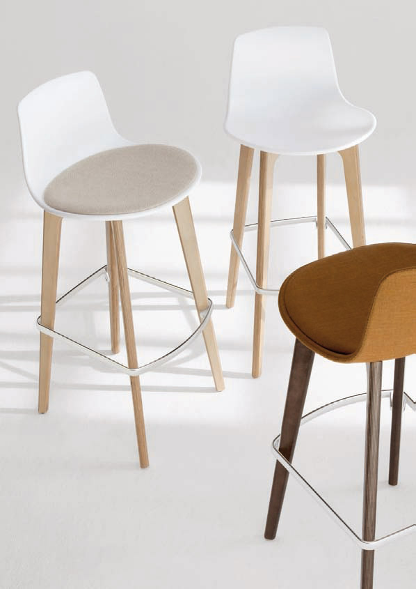 Assises différentes tabourets de bar Lottus wood
